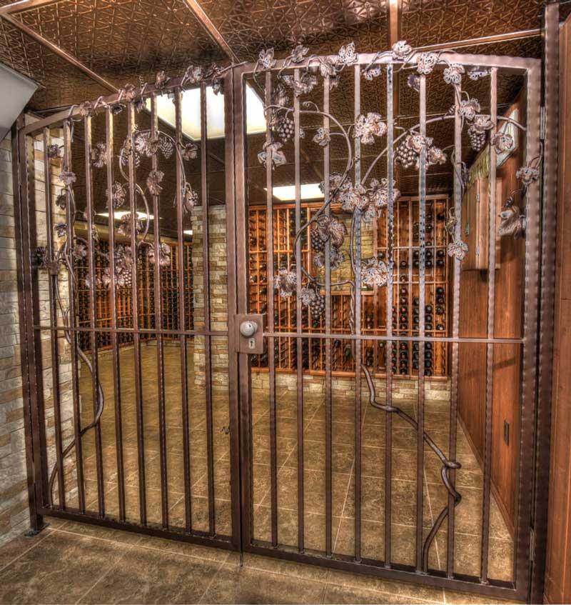 Покраска ворот из металла